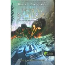 PERCY JACKSON 4. CSATA A LABIRINTUSBAN